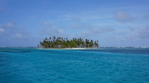 BBQ island in the Caya Hollandaise. While snorkelling we saw stingrays and nurse sharks.