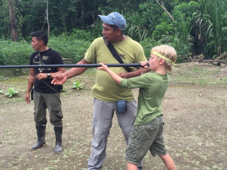 Testing blow-pipe technique at the Yasuni community